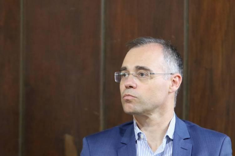 André Mendonça fica com vaga de Moro na Justiça; Ramagem assume Polícia Federal