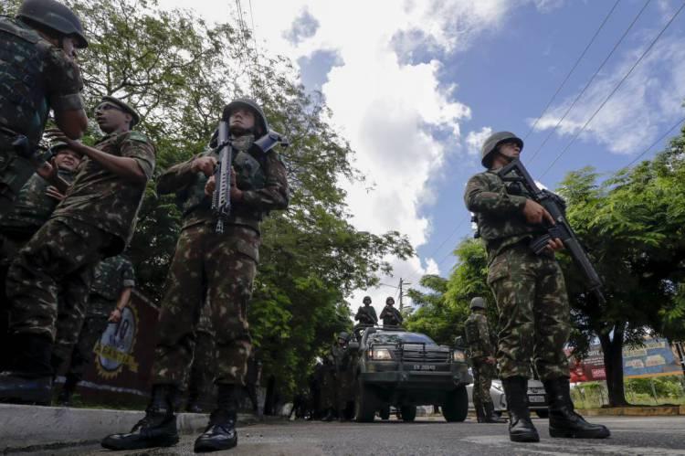 Exército diz que portarias de controle de armas e munições foram revogadas após pressão