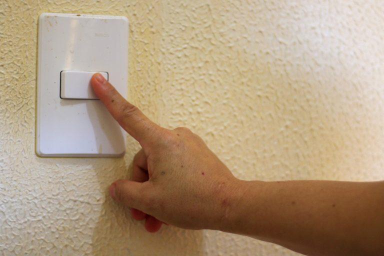 Conta de luz vai pesar mais no bolso do consumidor cearense em maio
